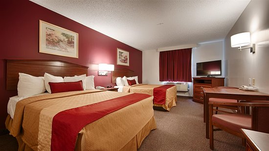 Okmulgee, OK: Two Queen Bed Guest Room