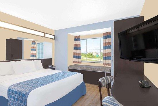 Waynesburg, PA: Guest room