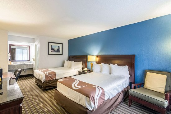 Quality Inn & Suites: Guest room with double bed(s)