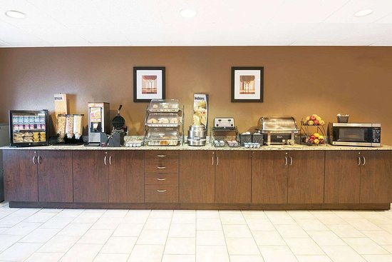 Microtel Inn and Suites by Wyndham Austin Airport: Breakfast Area