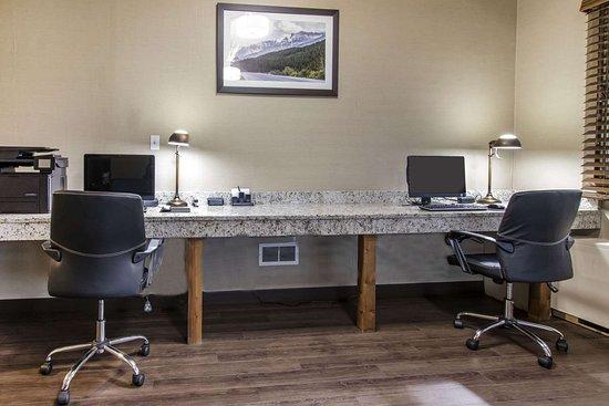 Quality Inn Medicine Hat: Business center