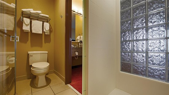 Best Western Plus Woodland Hills Hotel & Suites: Bathroom