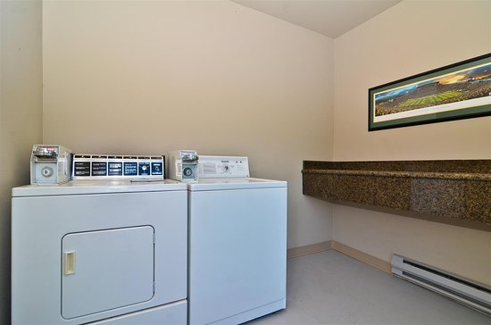Best Western New Oregon: Washer and Dryer