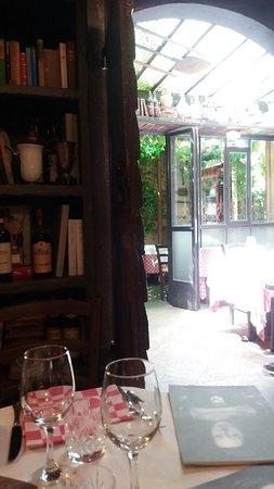 Osteria Di Poneta - Montecatini: giardino esterno