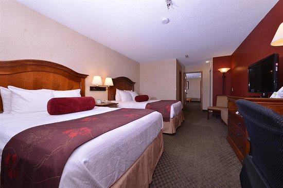 Best Western Plus Rama Inn: Guest Room