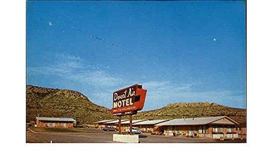 Sanderson, TX: Vintage post card of the Desert Air Motel