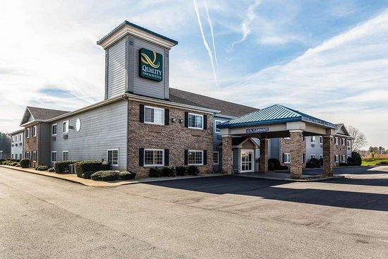 Quality Inn & Suites Hendersonville - Flat Rock: Hotel exterior