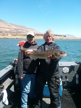 "Rufus Hillview Inn - Well know Fishing Guide Charlie Foster and his client show a 31"" walleye"