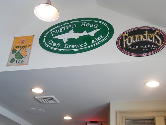 Pies and Pints: WALL DECORATIONS