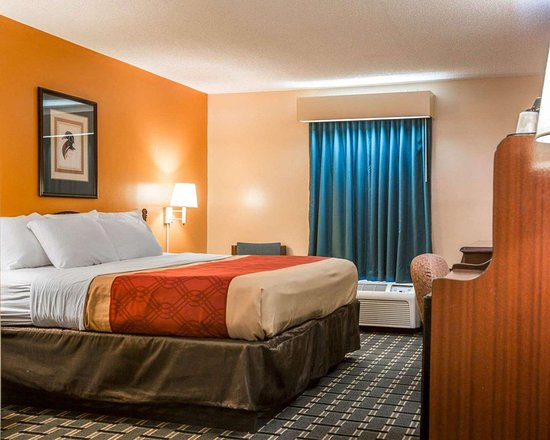 Econo Lodge: Guest room with one bed