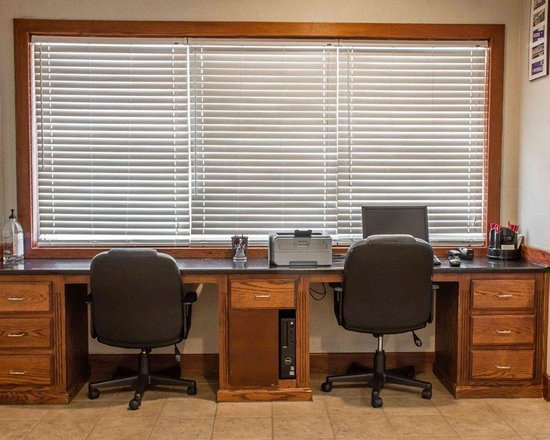 Comfort Suites Huntsville: Business center with free wireless Internet access