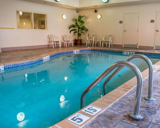 Comfort Suites Huntsville: Indoor pool