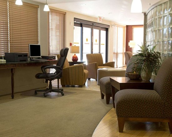 Comfort Suites Fultondale: Business center with high-speed Internet access