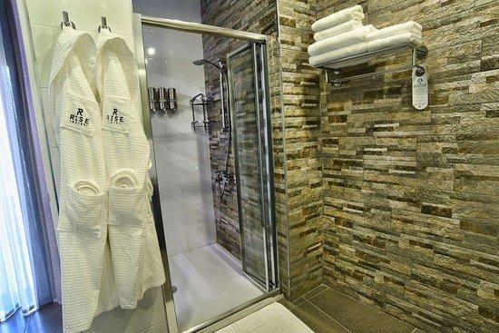 Rise Hotel: Guest Room Bath
