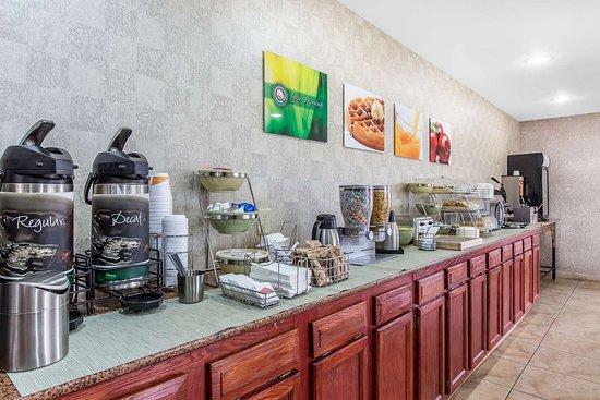 Hanceville, AL: Breakfast area