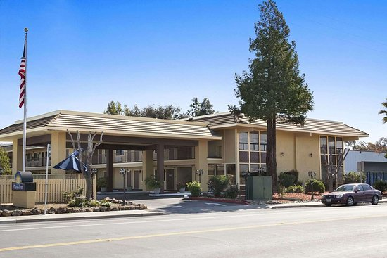 Days Inn by Wyndham Gilroy: Welcome to the Days Inn Gilroy