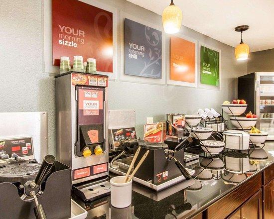 Comfort Inn & Suites Lincoln Talladega I-20: Free breakfast