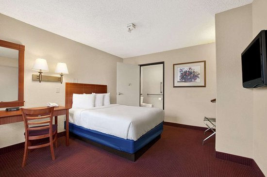 Days Inn by Wyndham Las Vegas Wild Wild West Gambling Hall: 1 Double Bed Room