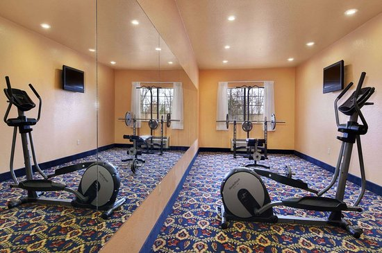 Days Inn & Suites by Wyndham McAlester: Fitness Center