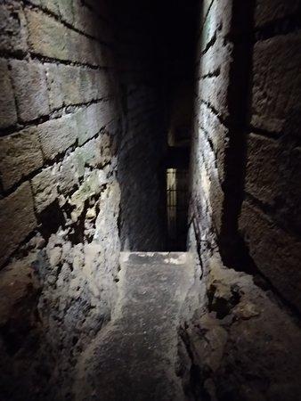 Forteresse royale de Chinon: Подземелье с привидениями