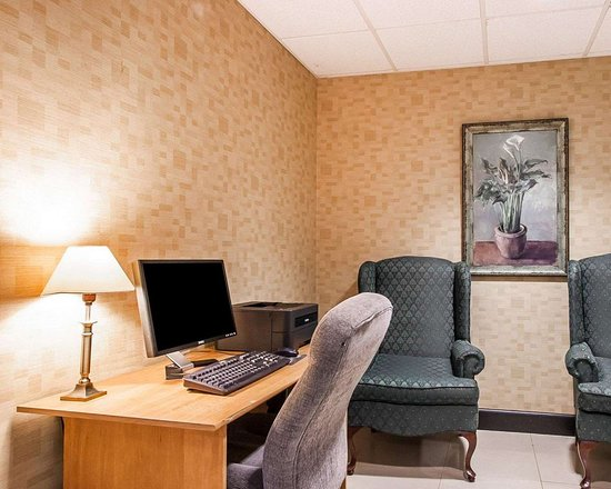 Comfort Inn & Suites Montgomery Eastchase: Business center