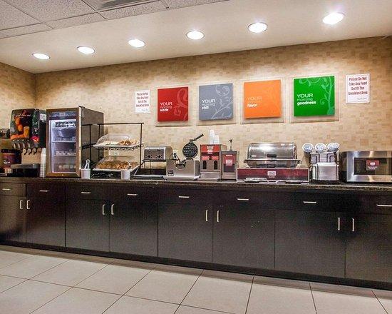 Comfort Inn & Suites Montgomery Eastchase: Breakfast area