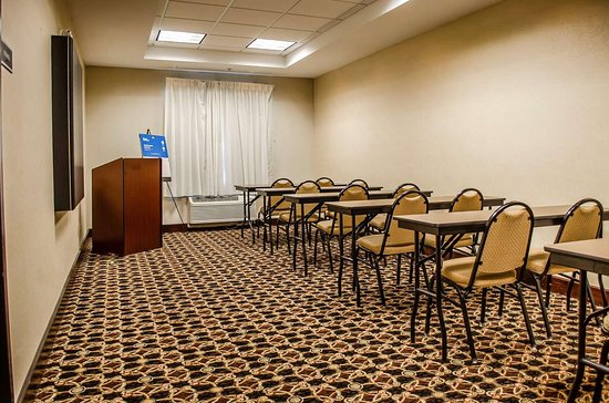 Comfort Suites North Mobile: Large space perfect for corporate functions or training