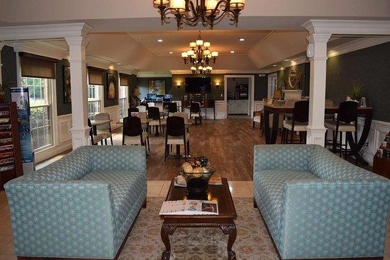 hotel lobby picture of best western spring hill inn suites rh tripadvisor com my