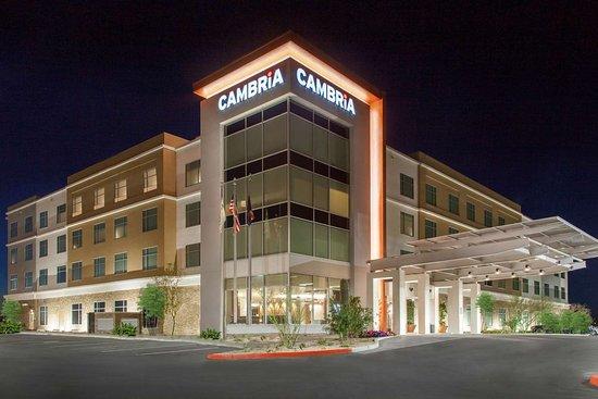 Cambria Hotel North Scottsdale Desert Ridge: Hotel exterior