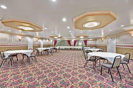 Days Inn by Wyndham Galloway Absecon Atlantic City Area: Ballroom