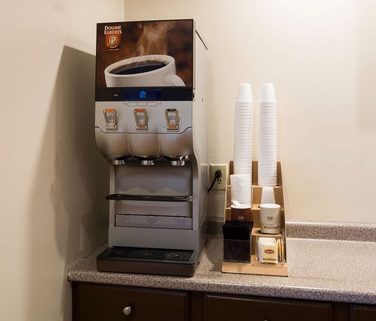 Red Roof Inn & Suites Wytheville: Coffee Area