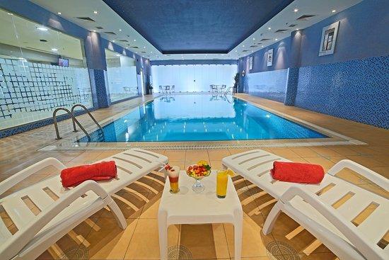Golden Tulip Buraidah Al Qassim: Swimming Pool