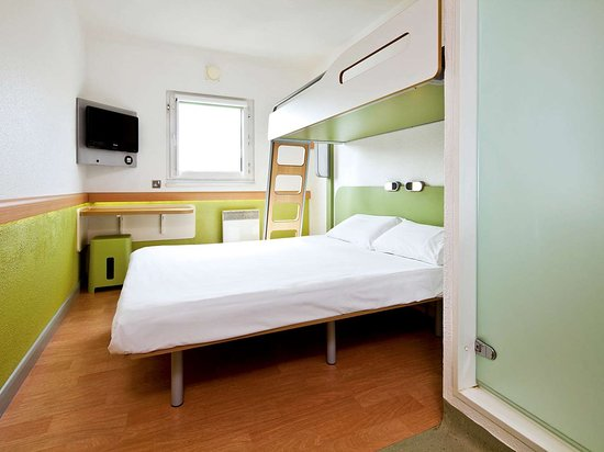 Hotel ibis budget London City Airport: Guest room