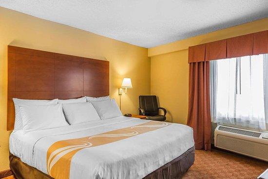 Calera, AL: King suite
