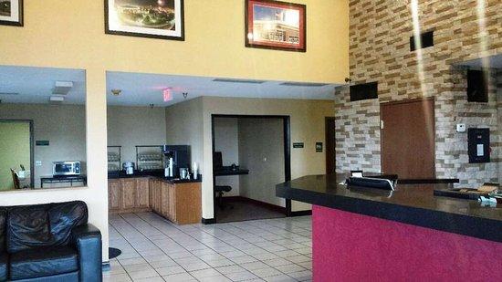 Red Roof Inn Wichita - Park City: Lobby