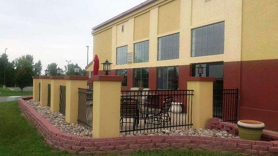 Red Roof Inn Wichita - Park City: Exterior