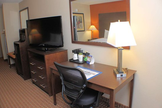 Best Western Inn & Suites: Accessible King Guest Room