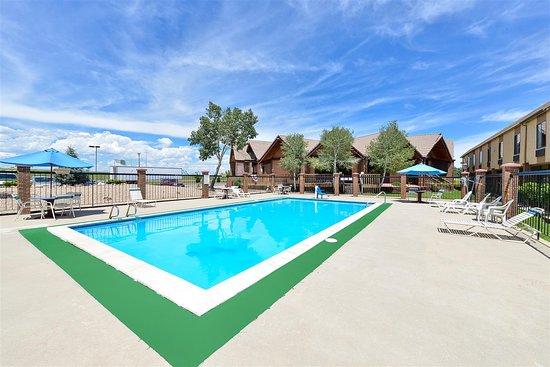 Americas Best Value Inn & Suites - Fort Collins East / I-25: Pool