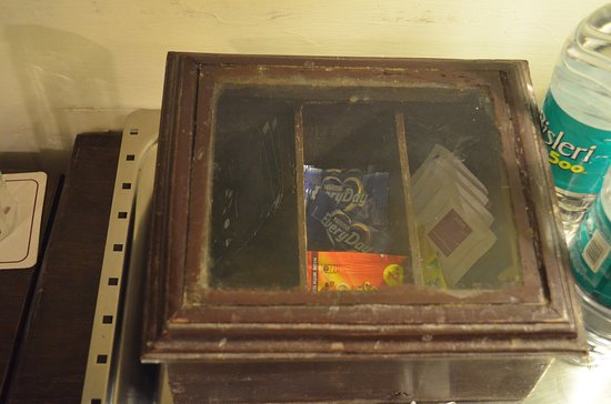 Royal Orchid Brindavan Garden Palace & Spa: Dirty Pantry Box