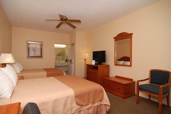 Navasota, TX: Two Queen Bed Guest Room