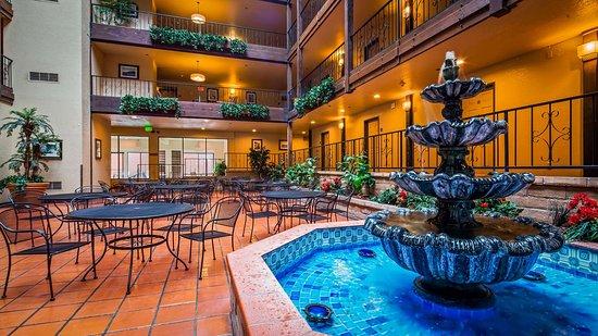 Clearlake, Καλιφόρνια: Lobby view