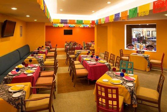 Camino Real Aeropuerto: CR Aeropuerto Cualli Restaurant