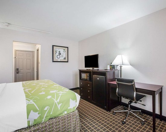 Econo Lodge: Well-equipped guest room