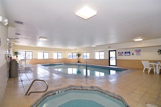 Borger, TX: Indoor Pool and Hot Tub