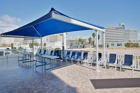Best Western Corpus Christi: Pool Area