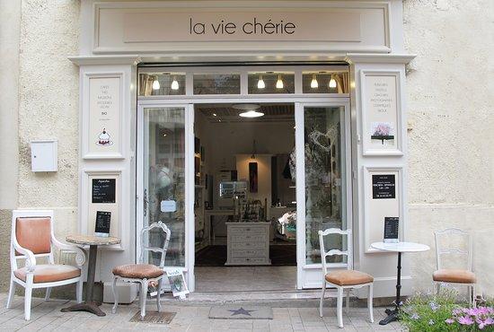 La Vie Cherie