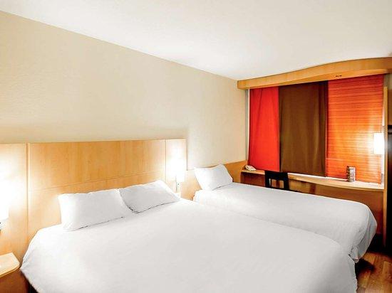 hotel ibis m con sud cr ches sur sa ne france voir les tarifs et 448 avis. Black Bedroom Furniture Sets. Home Design Ideas