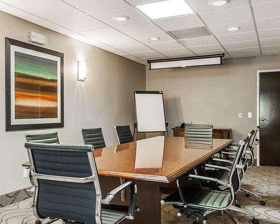 Demopolis, AL: Boardroom