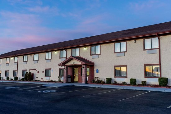 Super 8 by Wyndham Campbellsville KY