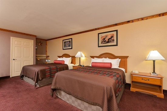Freer, TX: Accessible Two Queen Room